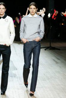 Marc Jacobs collar